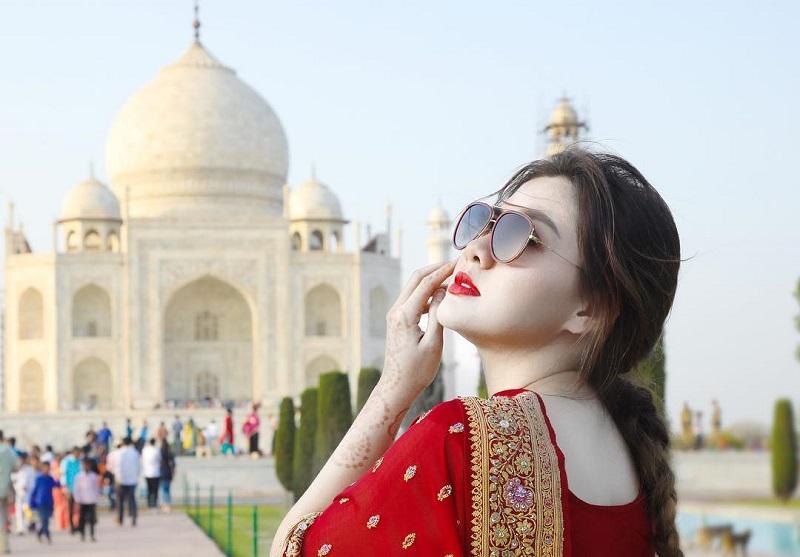 Keindahan Taj Mahal Sukses Hipnotis Artis Vicky Shu